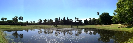 CAM20_Angkor_Wat_over_lake_Pano.jpg
